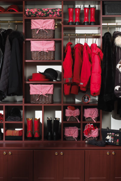 As the owner of Saint Louis Closet Co. and a professional expert, I am sharing my tips for fall and winter storage and cleaning ideas.